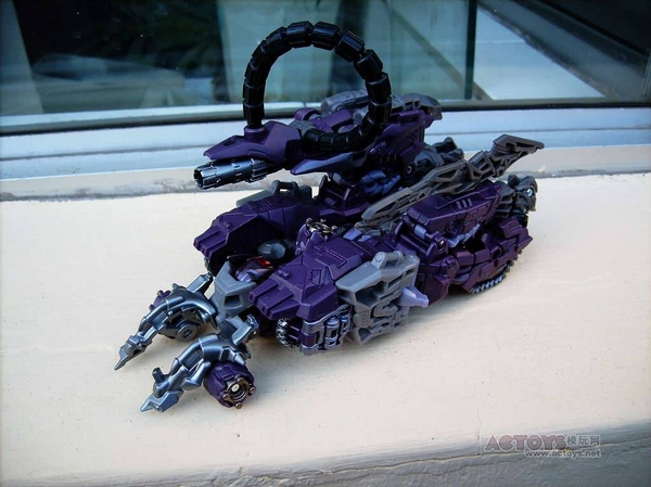 Transformers Dark of the Moon Shockwave Figure